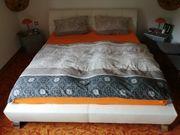 Wohnungsauflösung Couch und Bett zu