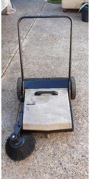 Kehrmaschine Kärcher KM695