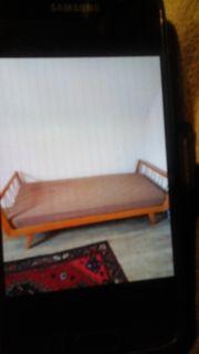 Schönes gepflegtes Bett