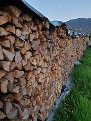 Brennholz klein gespalten Hart oder