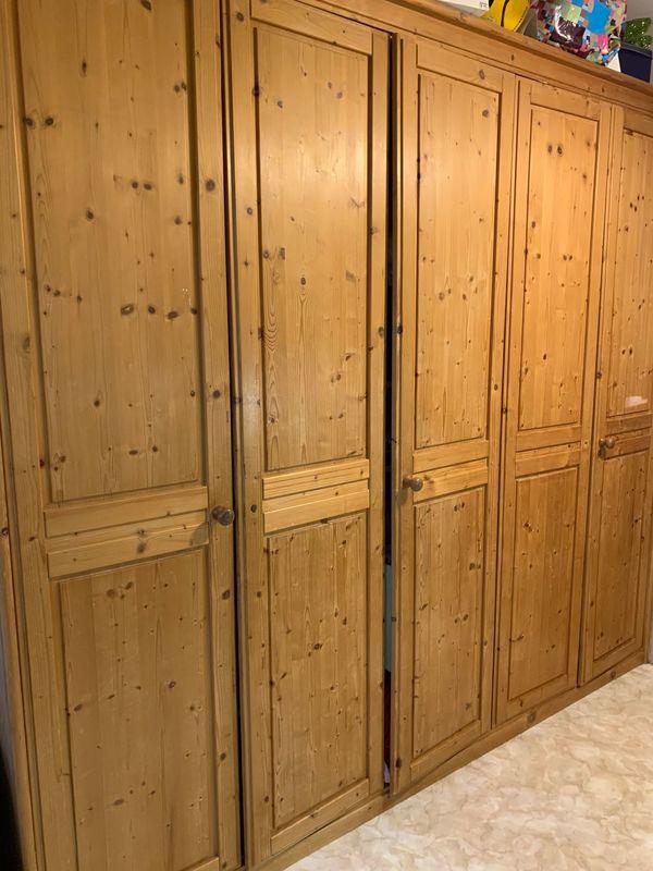 Kleiderschrank 2 50 M Kiefer Teilmassiv In Monchengladbach Schranke Sonstige Schlafzimmermobel Kostenlose Kleinanzeigen Bei Quoka De