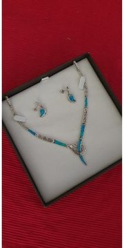 Halskette und Ohrringe von Swarovski