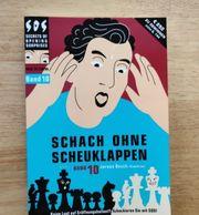 Verschiedene Schachartikel Schachuhr DVDs etc