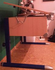 Schreibtisch wächst mit