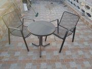 Garten Tisch mit 2 Stühlen