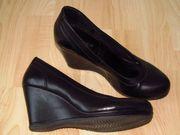 Schuh mit Keilabsatz Gr 37