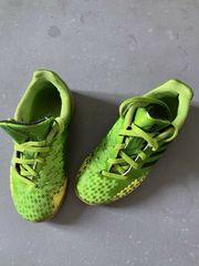 Adidas Hallenturnschuh Fußballschuh Gr 31