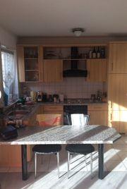 Einbauküche L-Form mit Elektrogeräten und