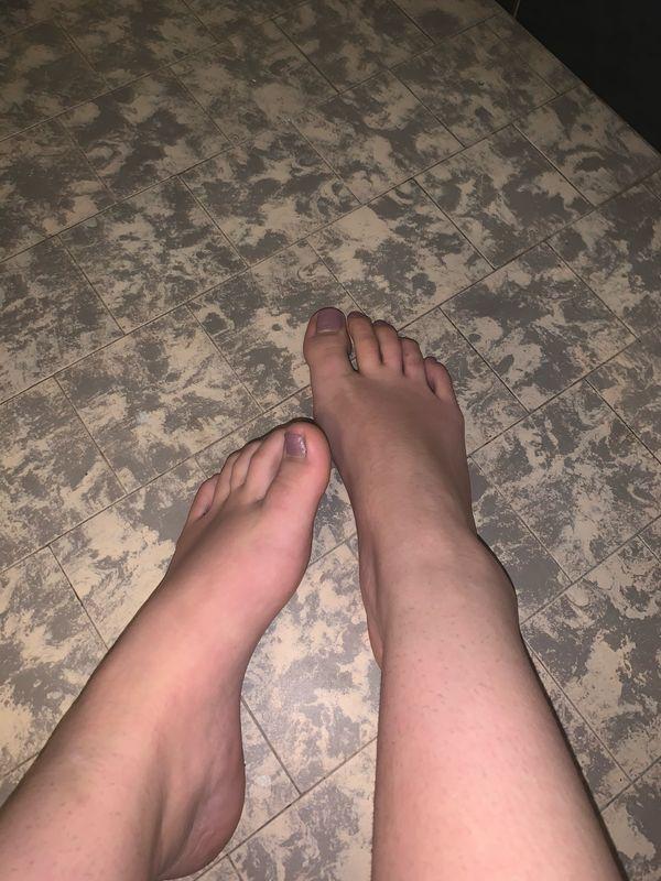 Fußbilder Socken und Schue