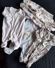 Babykleidung in der Größe 56