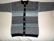 Handgestrickte Pullover und Jacken Gr
