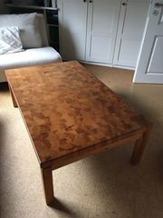 Couch-Tisch aus Massivholz