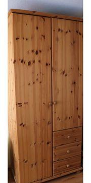 Kleiderschrank Britta aus massivem Kiefernholz