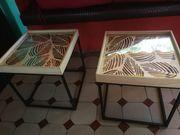 2 kleine handgefertigte Tische