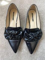 ZARA Schuhe mit Schleife schwarz