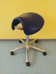 Rollhocker Stuhl ergonomisch blau