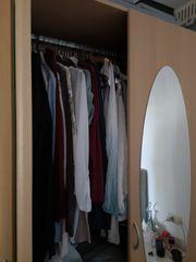 Kleiderschrank mit Spiegeltüren