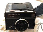 Fotoapparat mit Tasche