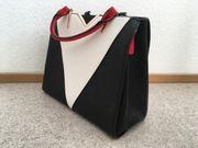 Handtasche in schwarz-rot-weiß