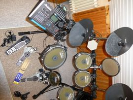 Alesis DM 10 Studio E-Drum: Kleinanzeigen aus Rostock Brinckmansdorf - Rubrik Drums, Percussion, Orff