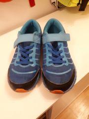 Schuhe Größe 33