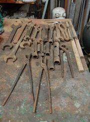 Sehr altes Werkzeug zu verkaufen