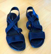 schöne schwarze Sandalen Größe 39