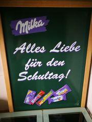 Werbe Tafel von Milka Hat