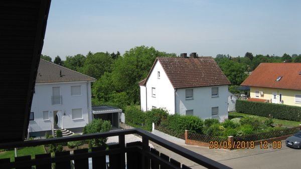 Dachgeschosswohnung im 2 OG 3-Zimmer-Küche-Bad-Wohnung