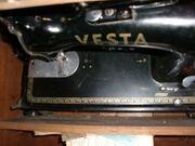 Antike Nähmaschine aus den 50ern