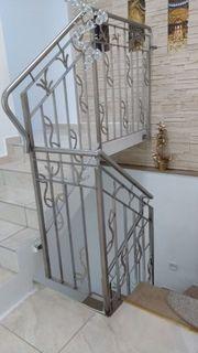 Balkon und -- Treppengeländer