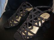 Neu - Tamaris Sandalen - schwarz - Größe