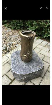 Friedhofsvase mit Granitstein