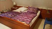 Komplettset Kleiderschrank Bett und Nachttische