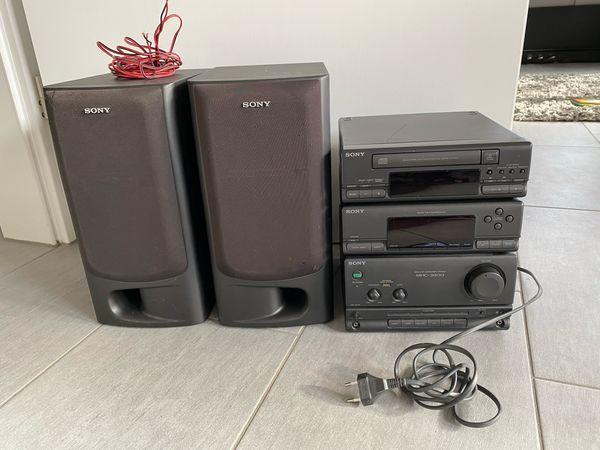 Stereoanlage mit Lautsprechern