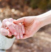 Kompetente individuelle liebevolle Senioren -Alltagsbegleitung