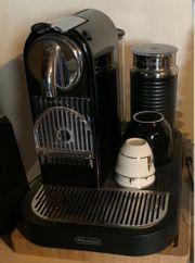 Nespressomaschine mit Milchaufschäumer