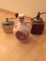 Trödel Kaffeemühlen Waage Bügeleisen
