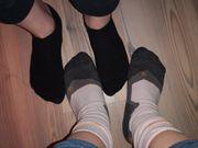 2 paar getragene Socken