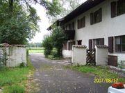 Mietshaus mit mehrere Wohneinheiten Grundstück