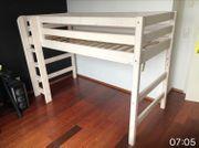 Kinderhochbett mit Lattenrost und Leiter