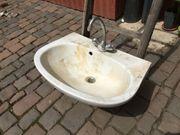 Waschbecken mit Wasserhahn Werkstatt Waschküche