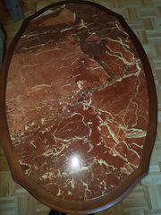 Exklusiver Wohnzimmertisch mit eingearbeiteter Marmorplatte