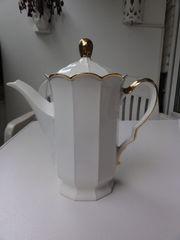 Kaffeekanne mit Goldrand