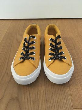 Sneaker Gr. 28
