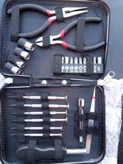 Feinmechanik Werkzeug und Multiwerkzeugkiste