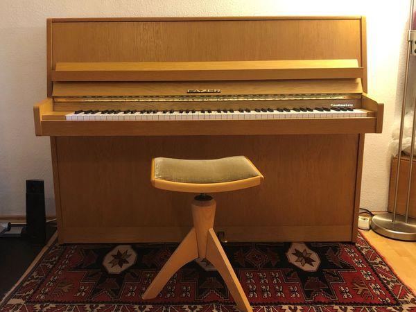 Einsteiger Klavier FAZER mit passendem