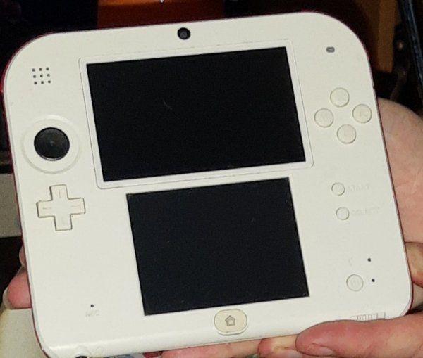 Nintendo 2 DS mit 4