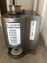 Kaffeevollautomat der Marke Multibona