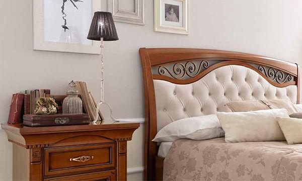 Klassisches Bett Doppelbett Kopfteil Gepolstert